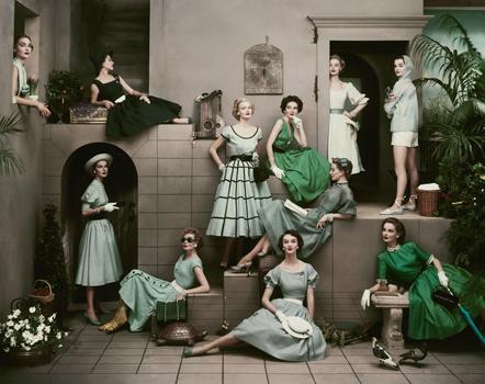 April 1952 Glamour