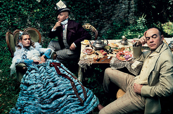 Alice_In_Wonderland_Vogue_9