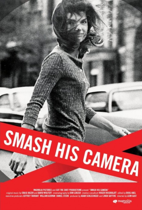 Smash his camera matou en peluche