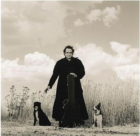 Johnny-Cash-and-dogs