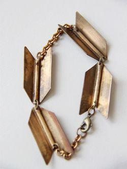 Arrow-bracelet
