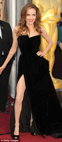 Oscars-angelina-jolie