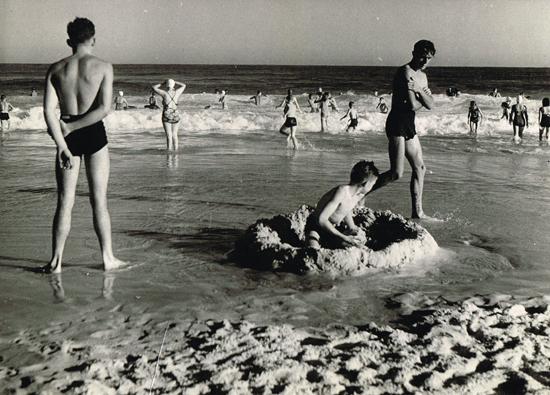 Dupain_manly_circa_1940